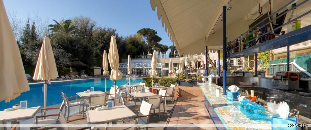 Hotel piscine galerie comandsea - Hotel etretat piscine interieure ...